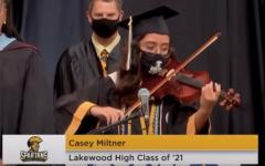 Senior violinist performs 'Star Spangled Banner' at graduation